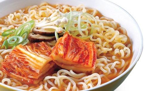 Kim chi cải thảo cô hường 100g túi zíp phù hợp để ăn với mì tôm